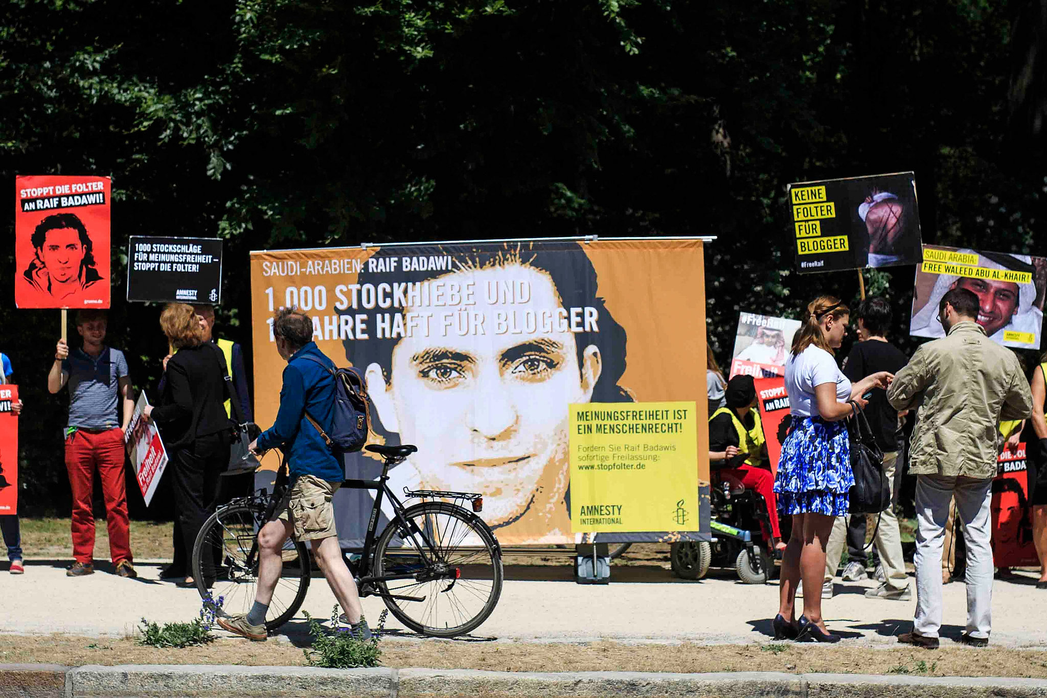 Saudi Blogger Raif Badawi Gets Sakharov Prize, Top E.U. Human Rights Award